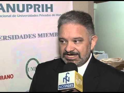 ANUPRIH Entrega reconocimiento a Carlos Avila Molina, Irma Acosta de Fortín y Luis Discua