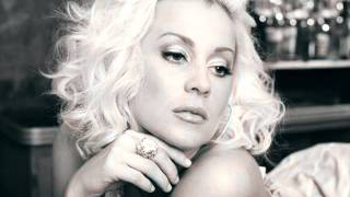 Watch Kellie Pickler Anything But Me video