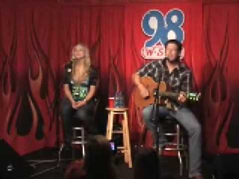 Blake Shelton & Miranda Lambert - Home Video