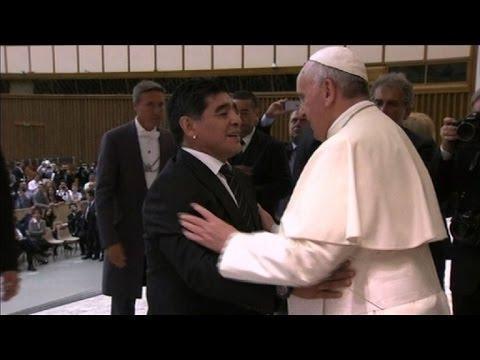 """El papa organiza """"partido por la paz"""""""