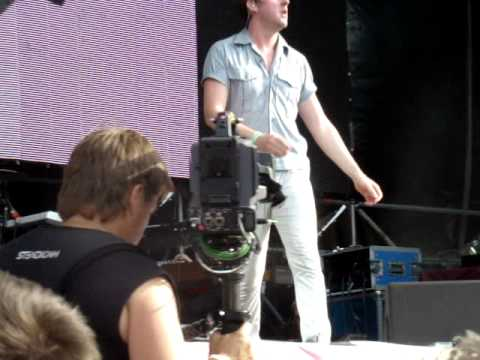 Kaiser Chiefs -- Long Way From Celebrating (Live at Afisha Picnic 2011, Moscow)