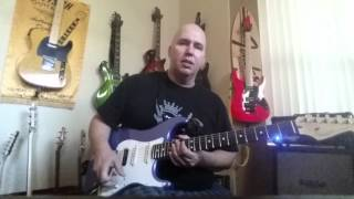 How to use a looping pedal. Very bassic