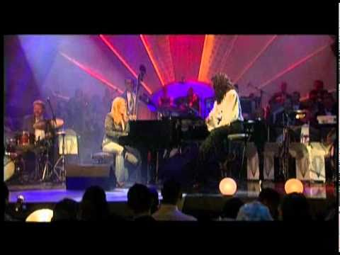 Diana Krall & Natalie Cole - 'S Wonderful & Route 66 (Ask a woman who knows Live)