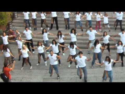 S By Shakira Flash Mob   Budapest HD 1080p + zoom