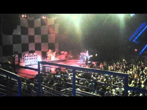 Cheap Trick- Bang Zoom Crazy Hello, Surrender & Goodnight (Live) Hollywood, FL October 22, 2015
