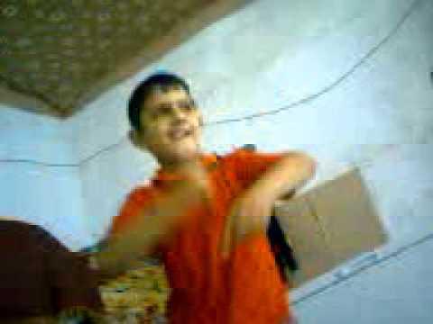 طفل يرقص روعة thumbnail