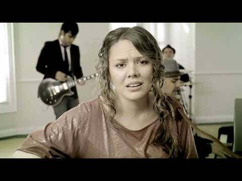 Jesse & Joy - Corre! (Video Oficial)
