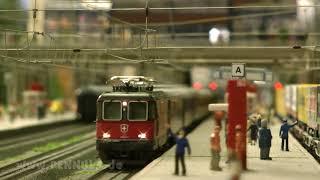 Die große Märklin Spur H0 Anlage bei der Modellbahnausstellung Bahnsteig Holtmann