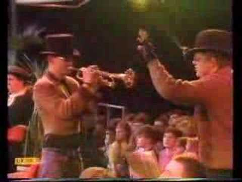 HQ - Madness - The Return of the Los Palmas Seven - TOTP 1981