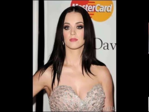 Katy Perry cleavage & boobs photos thumbnail