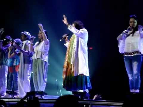 Bharat Humko Jaan se pyara hai-A R Rehman Boston 09-22-10.mp4...