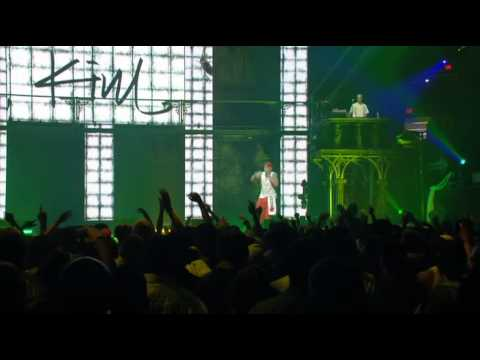 Eminem - Puke (live From New York City). video