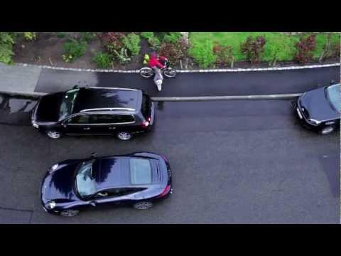 Porsche. Парковка задних ходом. Наши водители знаю только одно направление: вперед
