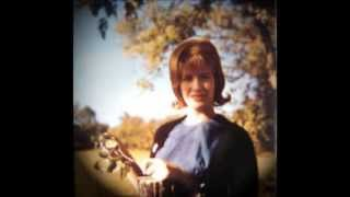 Watch Skeeter Davis Im So Lonesome I Could Cry video
