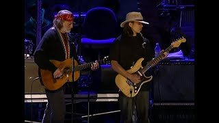Download Lagu Willie Nelson & Lukas Nelson - Texas Flood (Live at Farm Aid 2004) Gratis STAFABAND