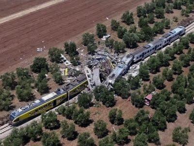 Raw: Italian Trains Collide, At Least 12 Dead