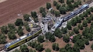 Raw: Italian Trains Collide, At Least 12 Dead