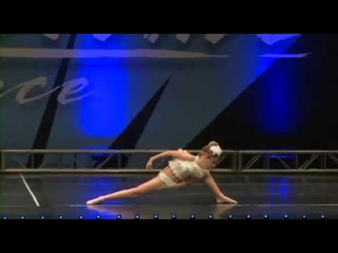 Mia Diaz   Ave Maria Dance online video cutter com