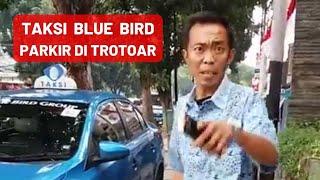 Download video Pengemudi Bluebird Marah-Marah sama pejalan kaki  Di Trotoar