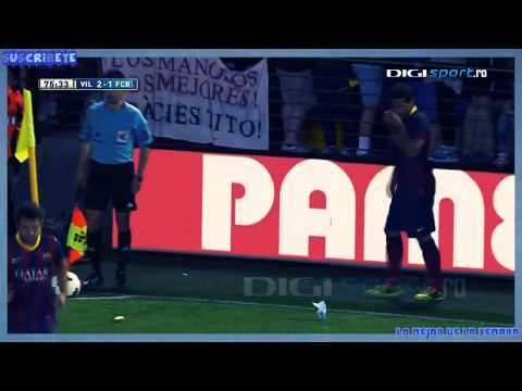 Full video Dani Alves eats banana thrown from public 2014  Increíble Dani Alves VS racismo