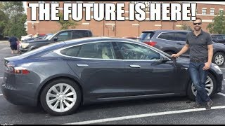 Tesla Model S (2017): Interior Review and Tour