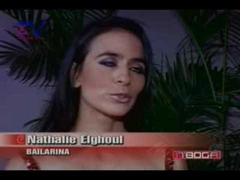 Nathalie Elghoul presentó el arte de la danza oriental