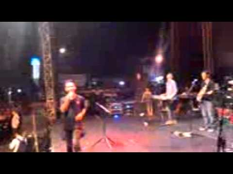 Atap Band - Ditatto (Shaggydog)   Tahun Baru 2015 Blora
