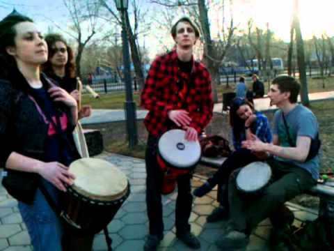 Percussion Jam-session on street (10/04/12)