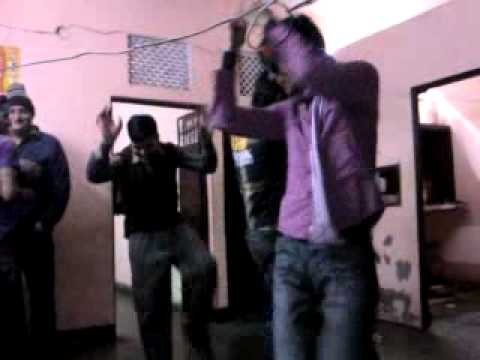 Kundan Versus Nishant  Nagin Dance...on Anamika Birthday 2011..mai Nagin Tu Sapera video