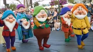 Disney Festival Of Fantasy Parade 2018