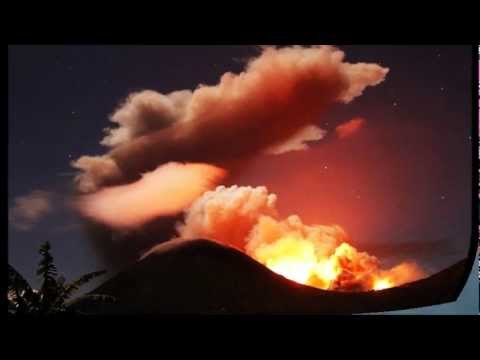 Indonesia's Mount Lokon Volcano Erupts spewing Ash/Lava (Oct 8, 2012)