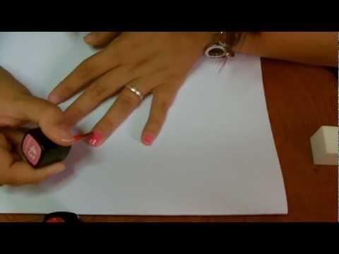 Applicazione smalto semipermanente (procedimento e preparazione delle unghie)