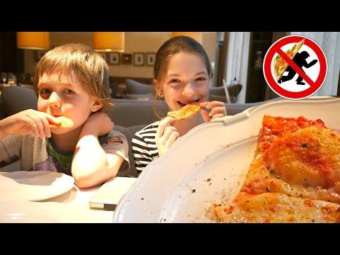 Снова пицца Читер! МайКрафт Адриан и Света в шоке!