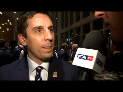 Welbeck, Cleverley, Oxlade-Chamberlain and Gary Neville give their pre-awards predictions | FATV
