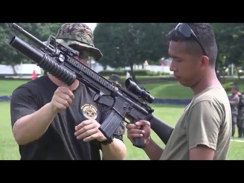 U.S Marines  Conduct Dry Fire  Weapons Training to Philippines Armed Force