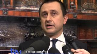 video E' senza la minoranza e con Roberto Speranza dimesso da capogruppo, che l'assemblea del gruppo Pd della Camera, da' il via libera all'Italicum. All'ennesimo appello alle modifiche Renzi...