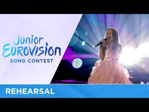 Olivia Wieczorek - Nie Zapomnij (Poland) First Rehearsal - Junior Eurovision 2016
