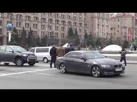 Сын Порошенко на BMW попал в аварию с джипом АЗОВа