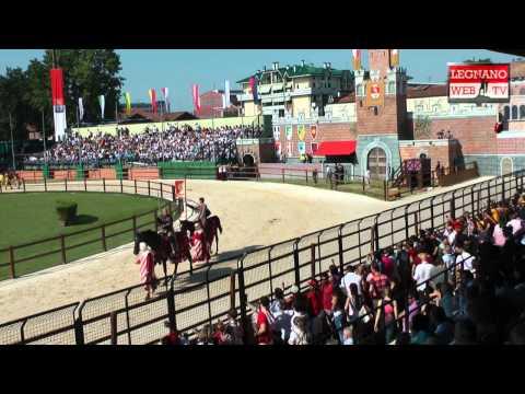 Palio di Legnano 2011: La sfilata e gli onori al carroccio