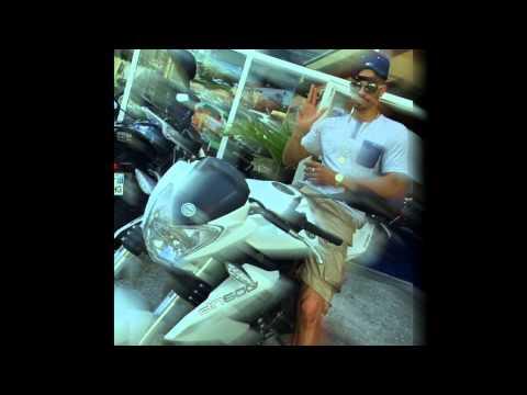 Les femmes dans ton genre - PomPis Feat DJ Gil  (#JustAsIAm 2K14)