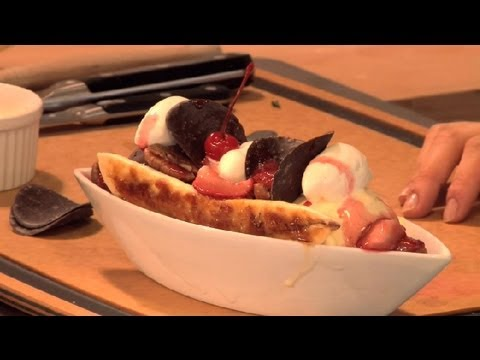 Banana Split Dessert With Neapolitan Ice Cream : Ice Cream Desserts