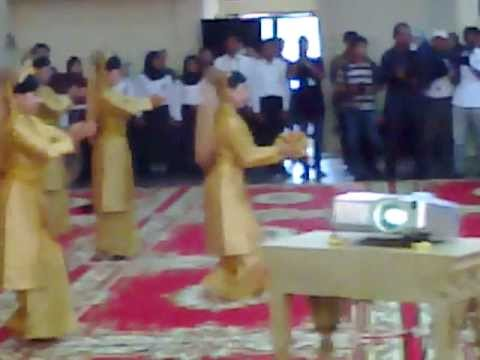 Tari Persembahan Sambut Gubernur Provinsi Riau, Hm. Rusli Zainal.se. Mp video