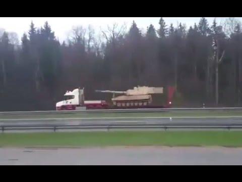 Skaitytojai nufilmavo vežamus NATO tankus Kaune