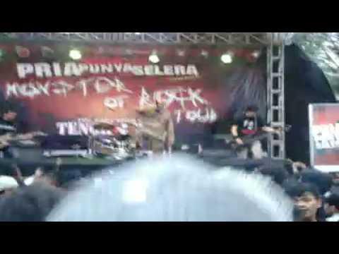 TENGKORAK VIDEO - MONSTER OF ROCK SUKABUMI -JAWA BARAT