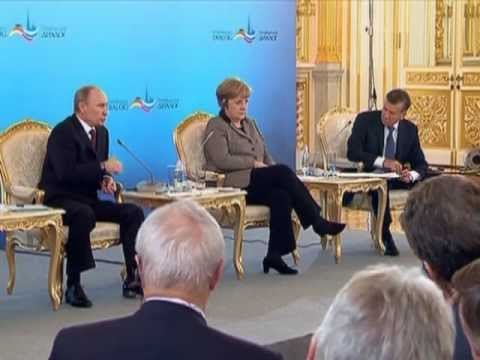 Putin & German Chancellor ANGELA MERKEL attend PETERSBURG DIALOGUE Forum