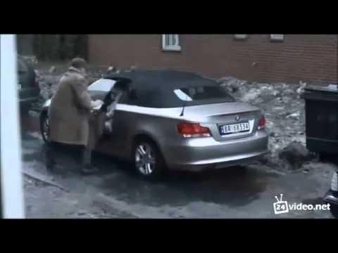 Мужик знает как обращаться с бабой за рулем! Интересно)))