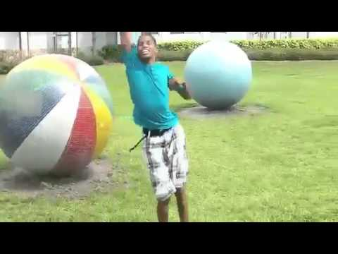 Crazy Boy singing and dancing Nicki Minaj - Starships
