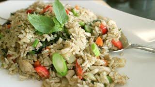 Green Curry Fried Rice Recipe ข้าวผัดแกงเขียวหวาน - Hot Thai Kitchen!