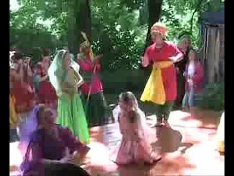 Haryanvi Dance Mera Nau Dandi Ka Bijana Tarang Moscow video