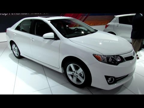2013 Toyota Camry SE - Exterior and Interior Walkaround - 2013 Detroit Auto Show